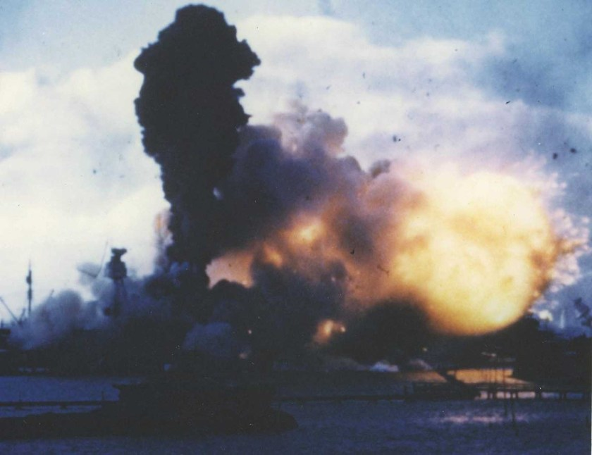 Attack_on_Pearl_Harbor_1941 (21).jpg