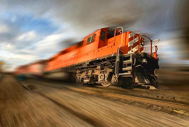 runaway-train blurring web
