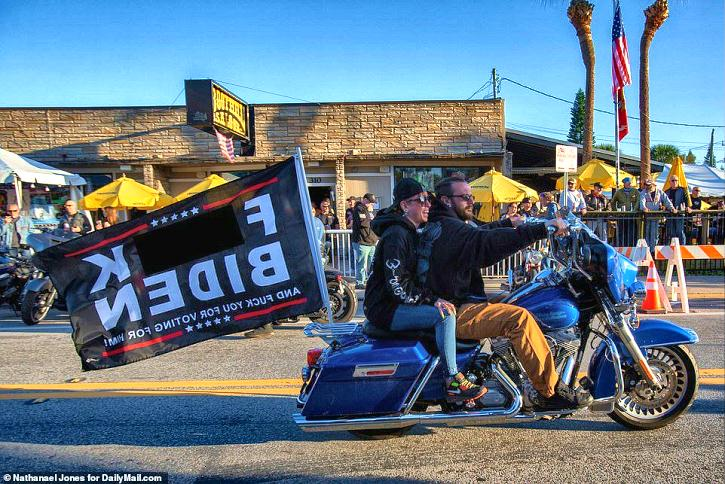 300,000 Bikers Show Up In Daytona With Surprise For Biden… | Populist Press 2021©