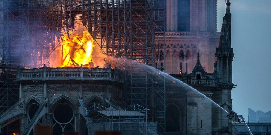 notre_dame_burning_getty_1024_512_75_s_c1